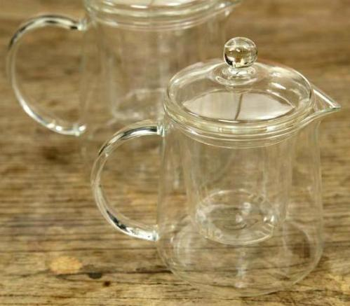 The perfect tea pot is glass...but you can also use a drinking glass, glass cup or mug, or an Asian-style drinking bowl.