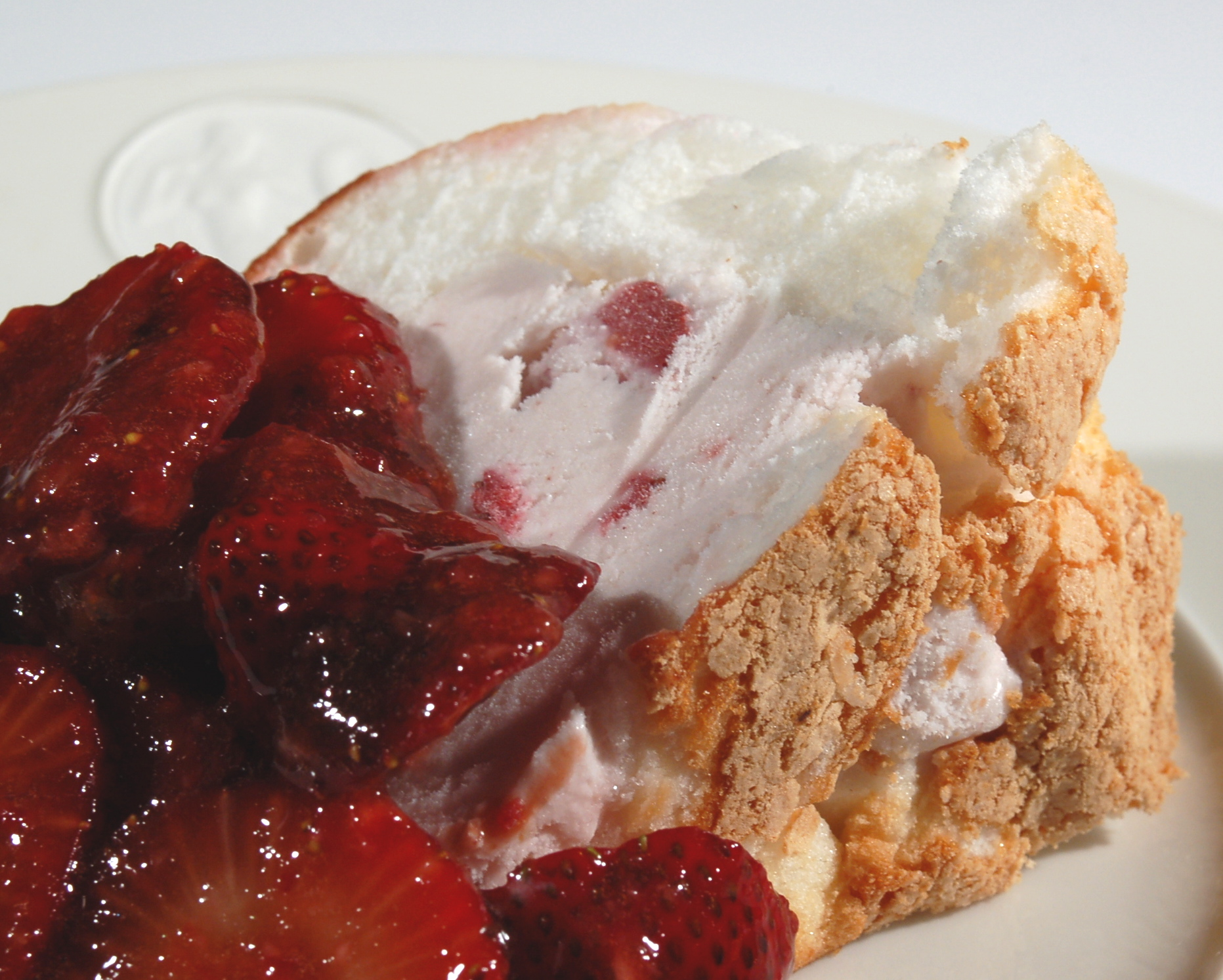 Strawberry-Ice-Cream Angel Food Cake with Balsamic-Macerated ...